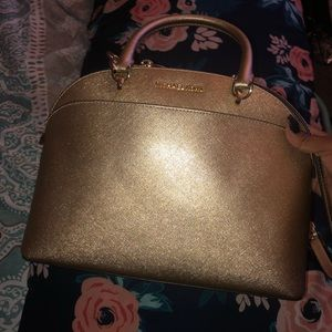 New Michael Kors purse in Gold